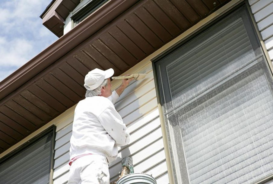What Are The Advantages of Hiring A Professional Company To Paint Your Home?